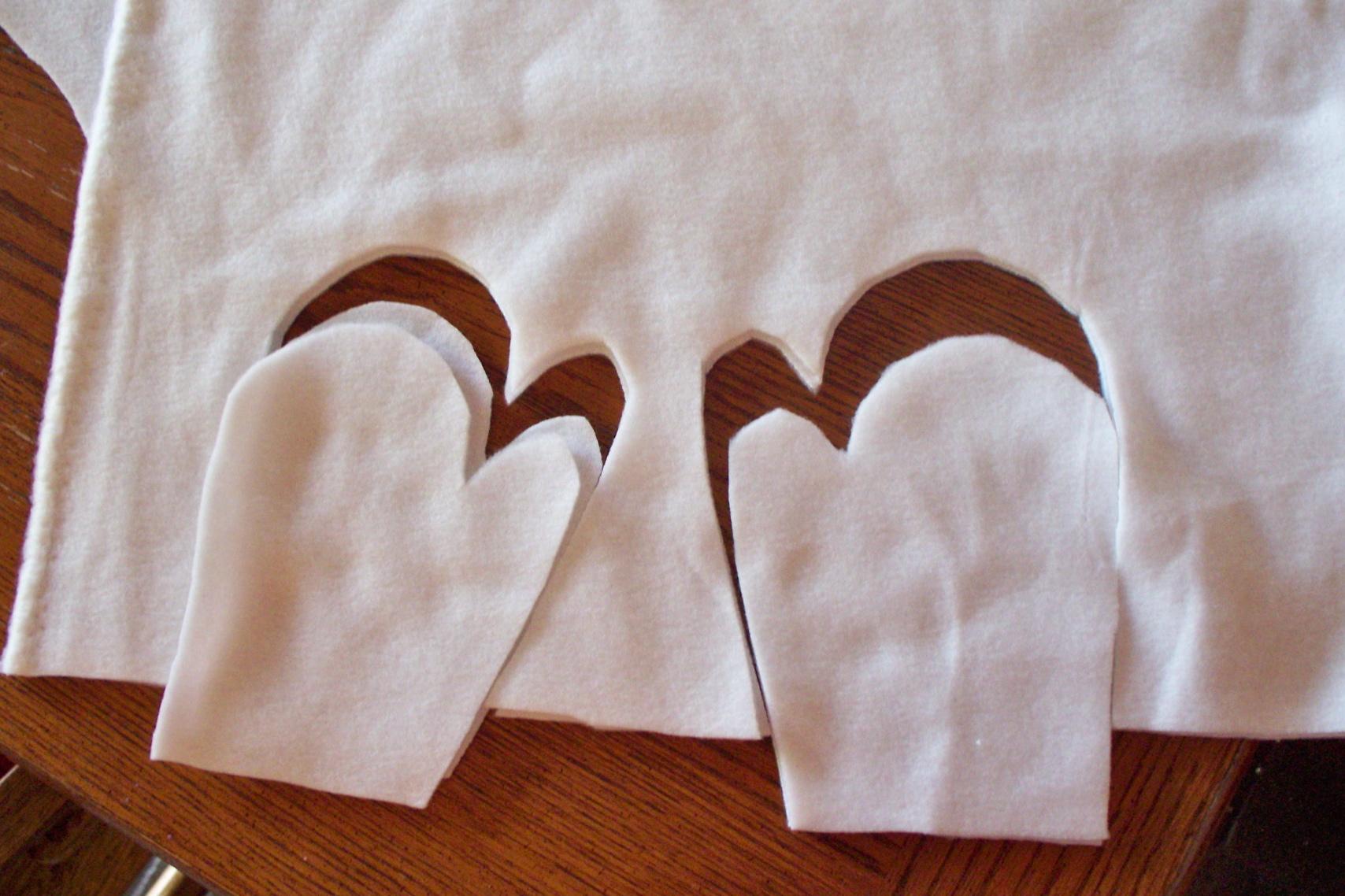 Cutting mittens from fleece