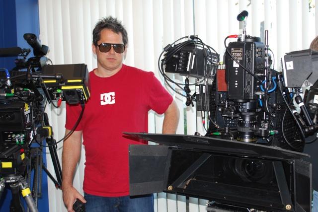 Gorilla w: cameras