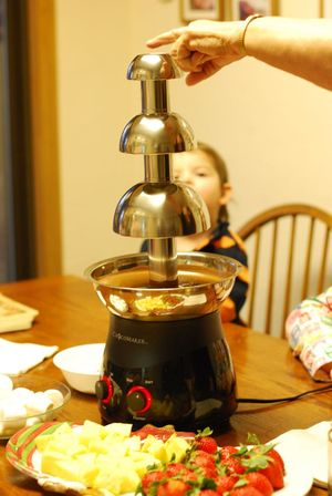 Chocolate fountain start