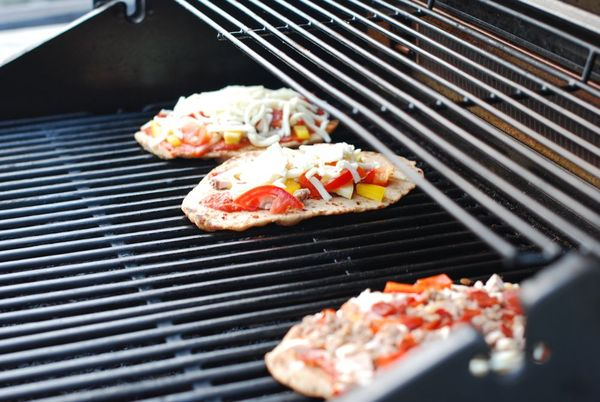 Pizza grilling