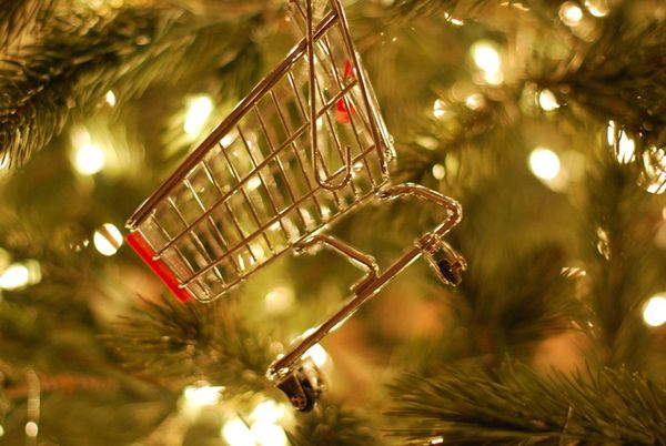 Shopping cart ornament