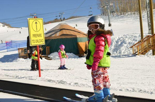 Skiing magic carpet