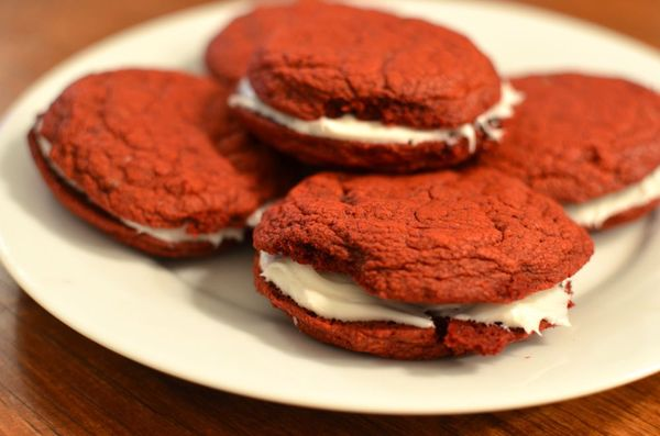 Red-velvet-sandwich-cookies