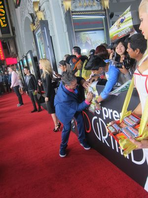 Los angeles movie premiere signing autographs