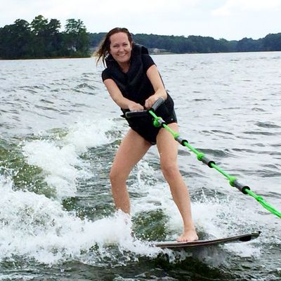 Wake surfing 1st time