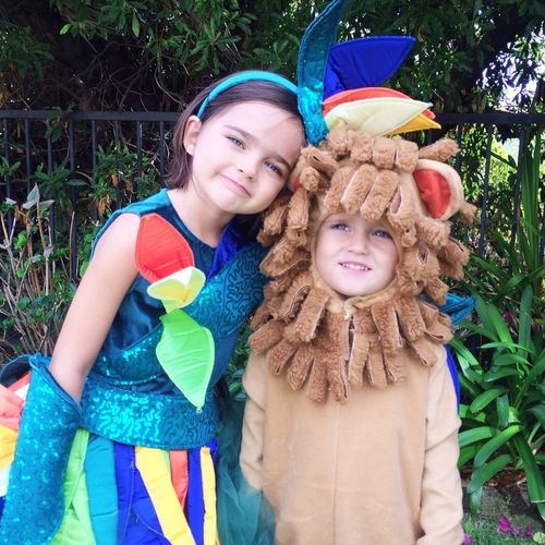 Birds of paradise costume with little lion man