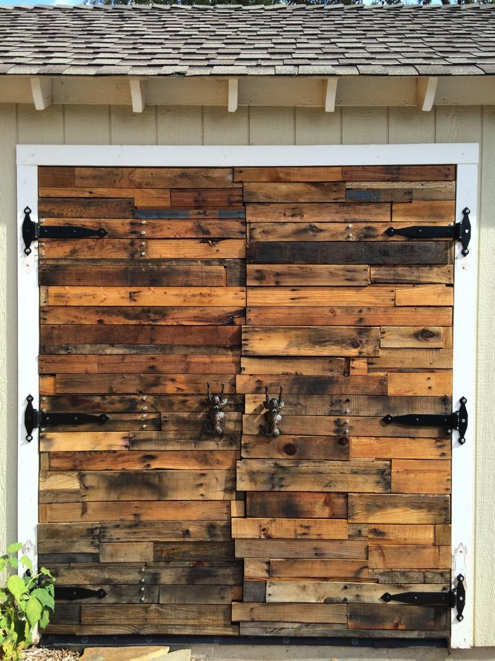 Reclaimed Wood Furniture And Wall Accent Ideas Hollywood Housewife